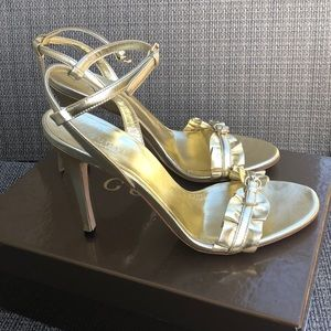 New never worn authentic Gucci gold heels size 7.5